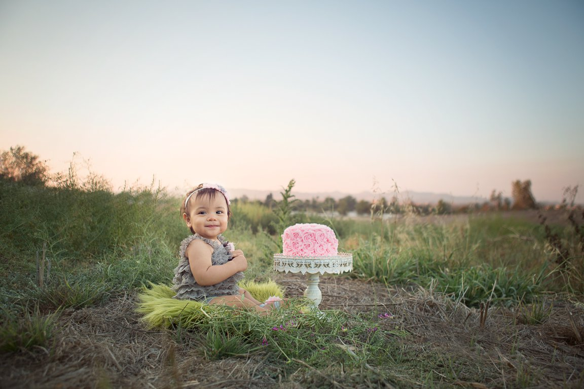 Are you looking for a cake smash photographer in murrieta california